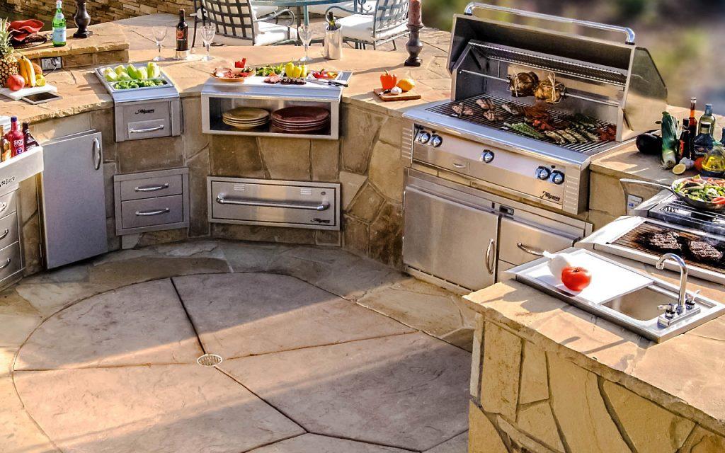 Outdoor Alfresco Kitchen